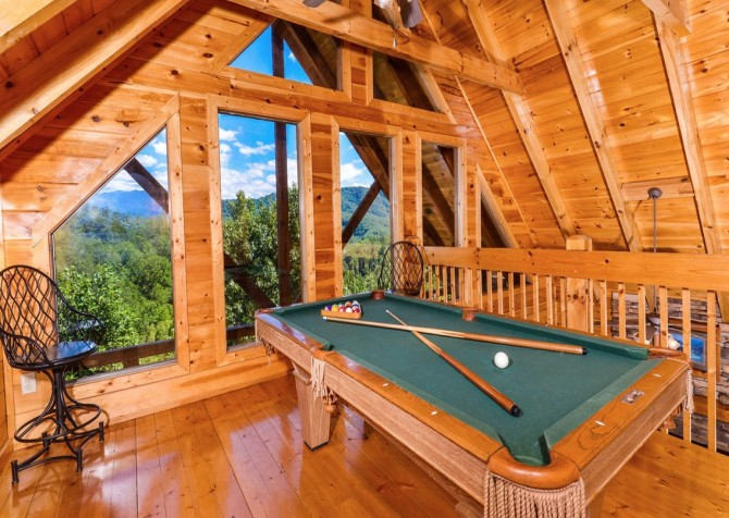 pigeon forge cabin – higher ground – game room