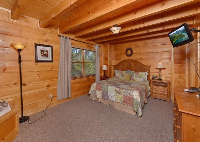 Gatlinburg - Hilltop Hideaway - Bedroom