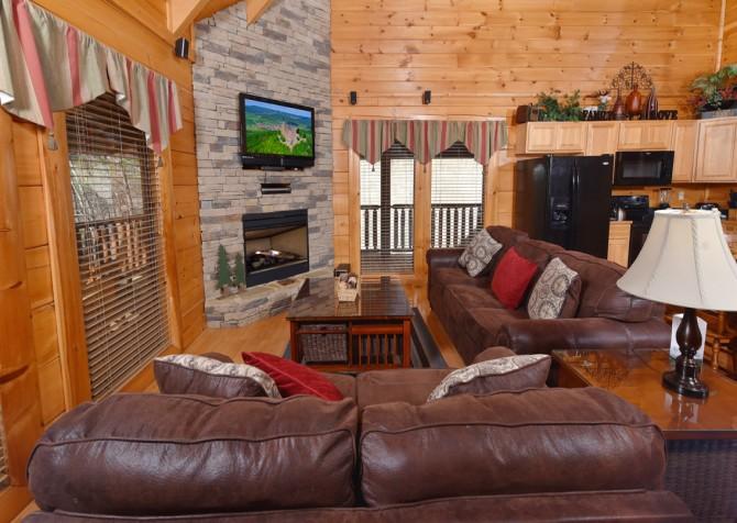 Gatlinburg - Hilltop Hideaway - Living Room