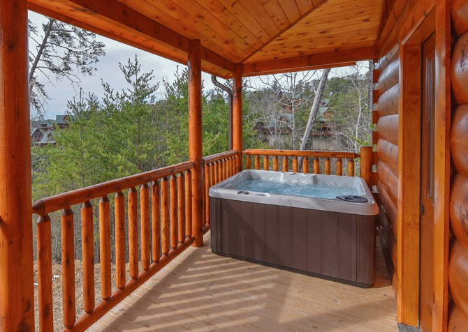 pigeon forge - hilltop plunge - hot tub
