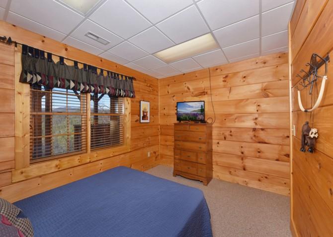 Pigeon Forge - Homestead Hideaway - Bedroom