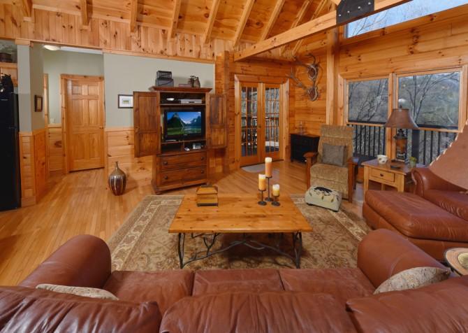 Pigeon Forge - Homestead Hideaway - Living Room