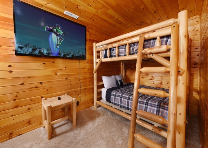 Pigeon Forge - Keaton's Firefly Meadow - Bedroom
