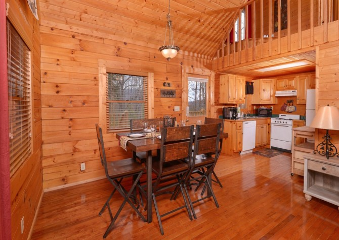 pigeon forge - knotty and nice -kitchen