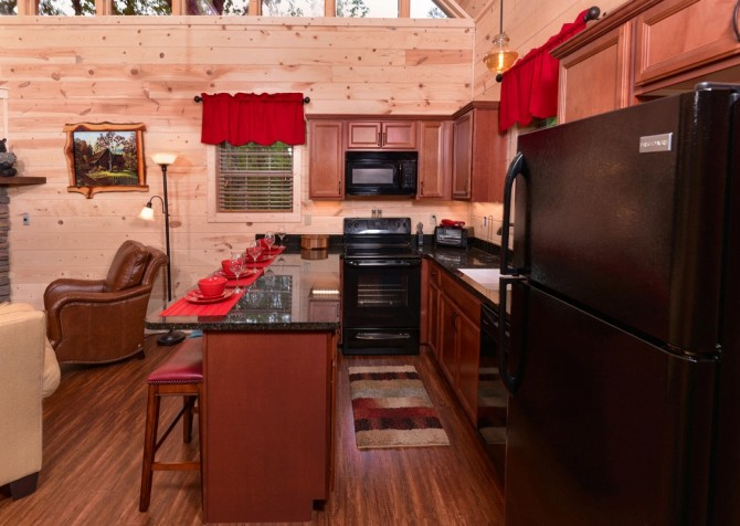 pigeon forge - lack for nothing - kitchen