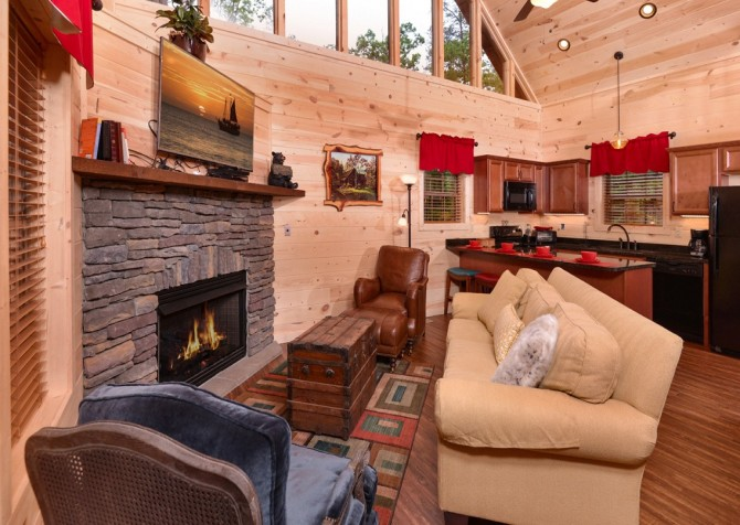 pigeon forge - lack for nothing - livingroom