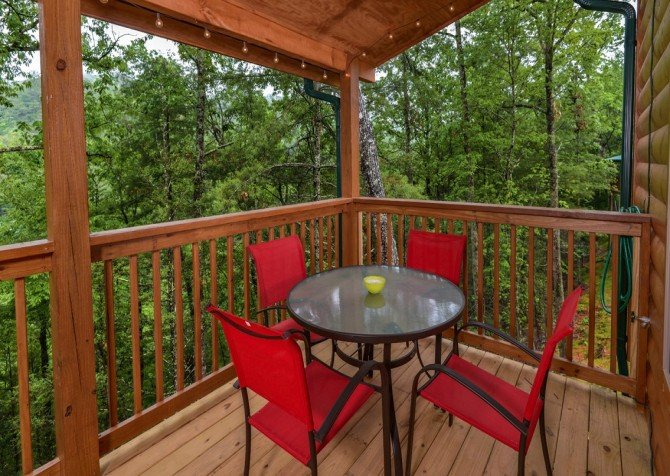 pigeon forge - lack for nothing - exterior