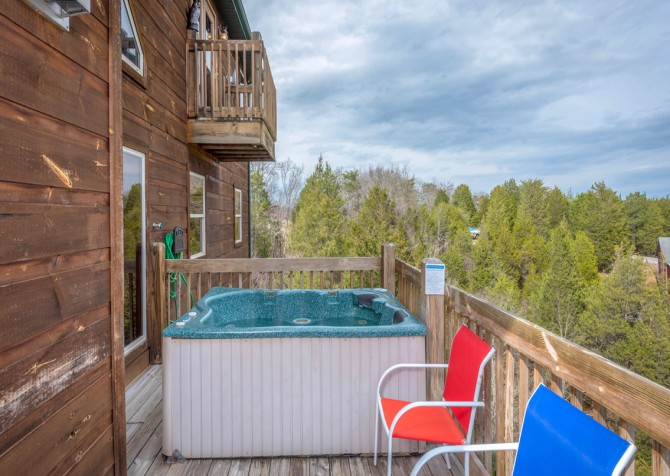 Pigeon Forge - Lakeside Mountain Memories - Hot Tub