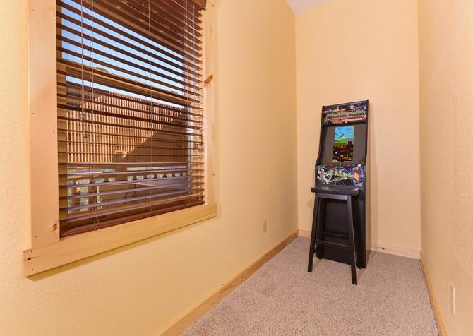 pigeon forege - lazy days - gameroom