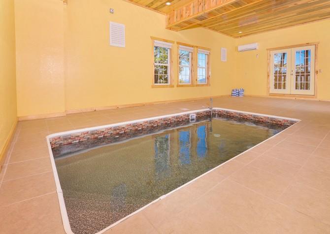 pigeon forege - lazy days - pool