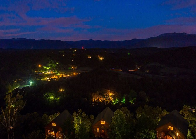 pigeon forge - legacy views and a theater - view