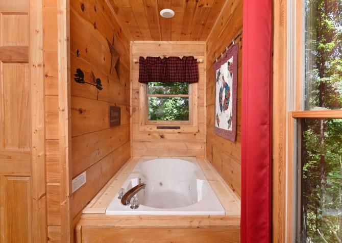Pigeon Forge - Little Bear Lodge - Bedroom