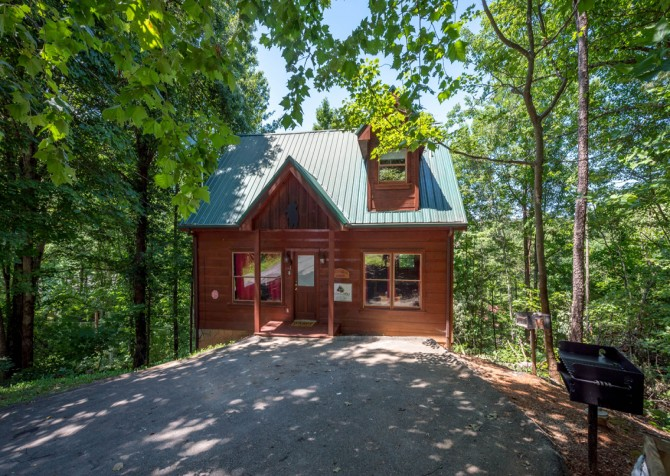 Pigeon Forge - Little Bear Lodge - Exterior