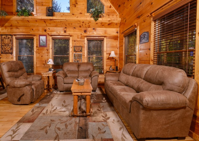 Pigeon Forge - The Looney Bin - Living Room Seating