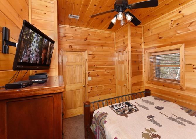 Pigeon Forge - Loose Moose - Bedroom
