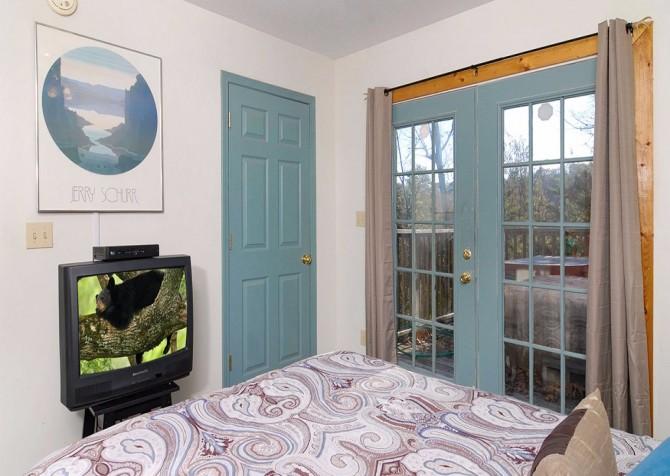 Pigeon Forge - Lorin Aleah - bedroom