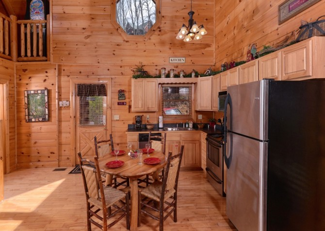 Pigeon Forge - Lucky Enough - kitchen