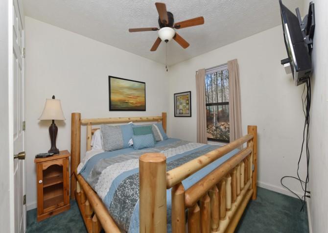 Pigeon Forge - Magnolia Bearadise - Bedroom