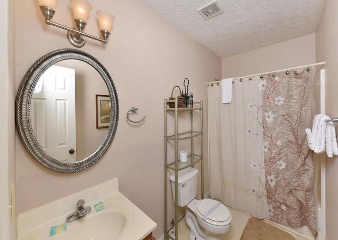 Magnolia Bearadise - Bathroom