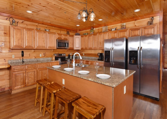 Pigeon Forge Cabin - Majestic Mountain Water - Kitchen