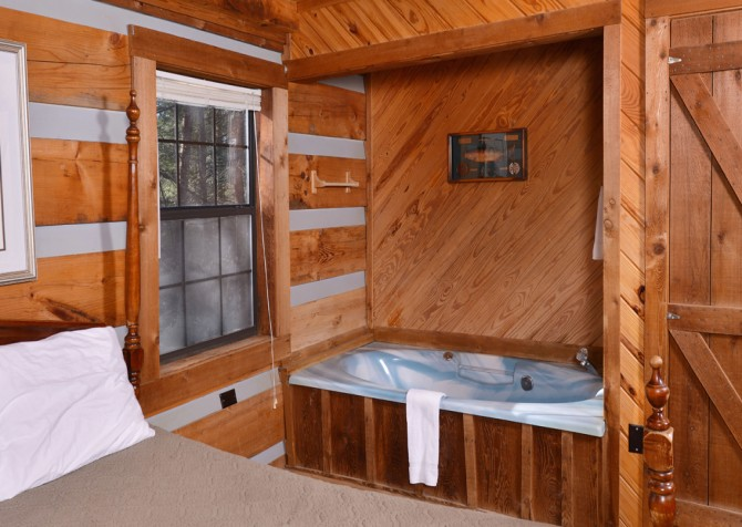 Pigeon Forge - Making Memories - Indoor Jetted Tub