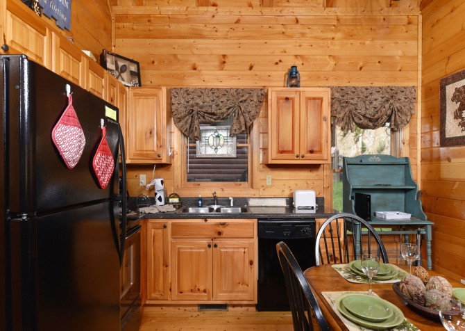 Pigeon Forge - Moonglow - Kitchen