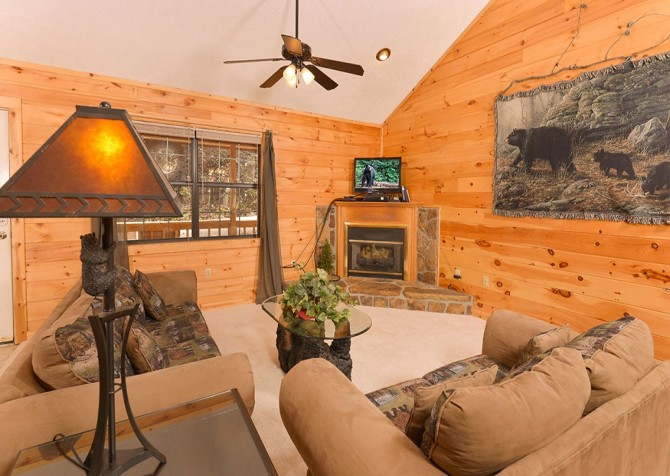 Pigeon Forge - Mountain Blessing - livingroom