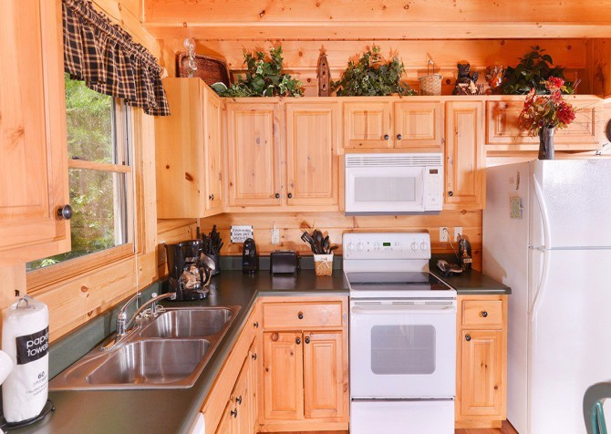 Pigeon Forge - Mountain Breeze - kitchen