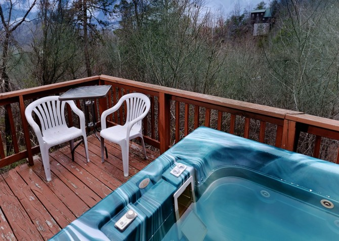Pigeon Forge - Mountain Getaway- hottub