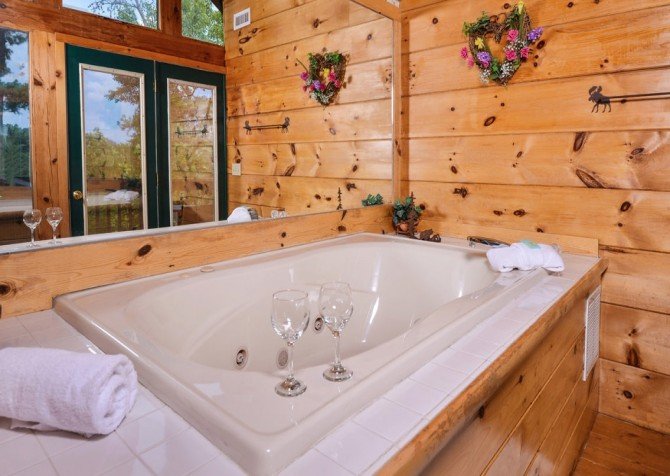Pigeon- Forge - Mountain Magic- bedroom
