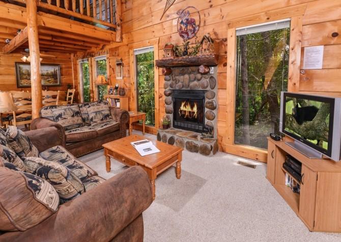 Pigeon- Forge - Mountain Magic- living room