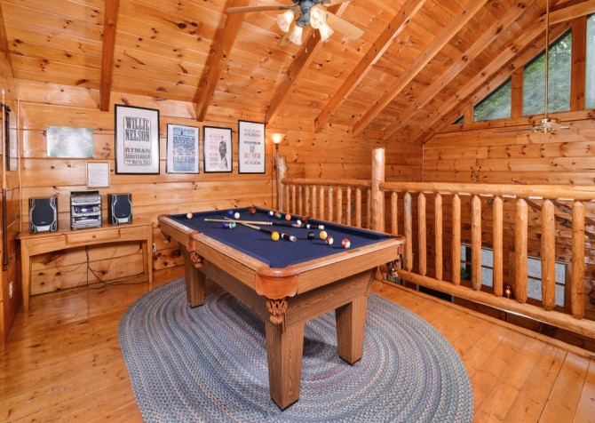 Pigeon- Forge - Mountain Magic- pool table