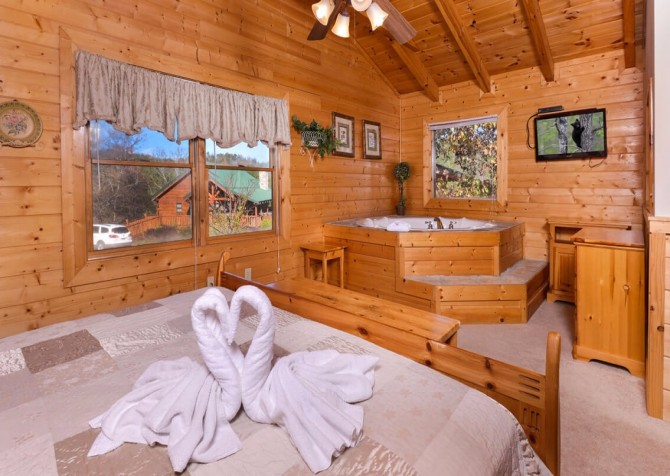 Pigeon Forge - Mountain Time- bedroom