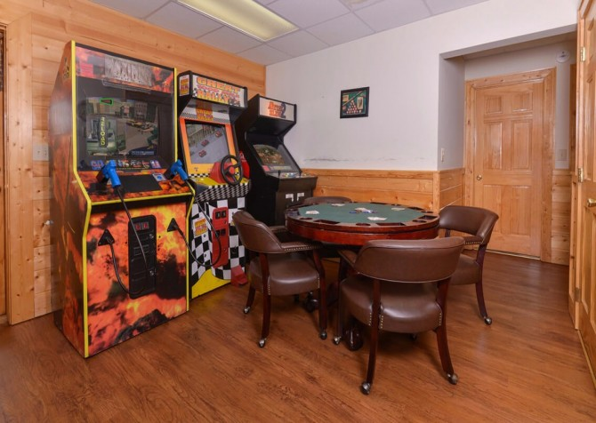 Pigeon Forge - Mountain Time- gameroom