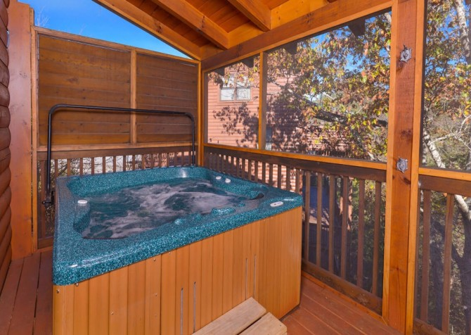 Pigeon Forge - Mountain Time- hot tub
