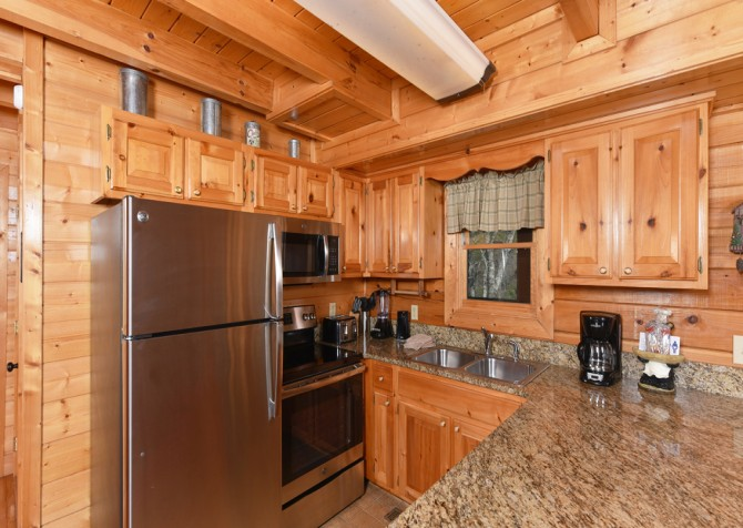 Pigeon Forge - Mountain Time - kitchen