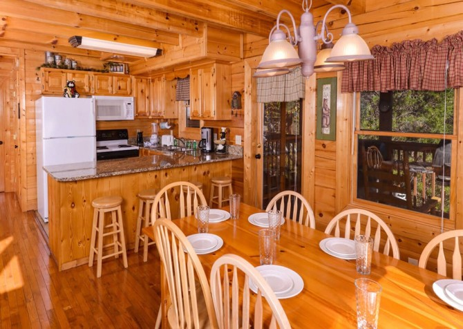 Pigeon Forge - Mountain Time- kitchen