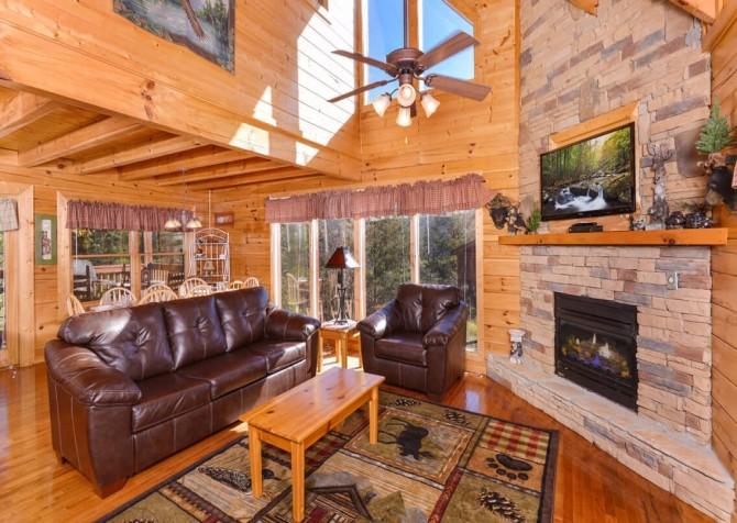Pigeon Forge - Mountain Time- livingroom