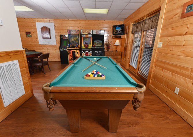 Pigeon Forge - Mountain Time - rec room