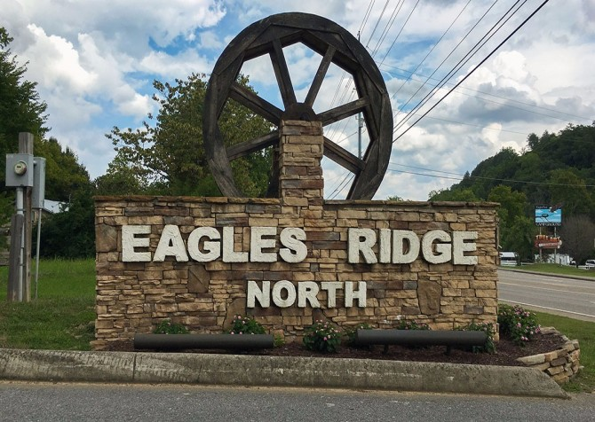 Pigeon Forge - Mountain Time- sign