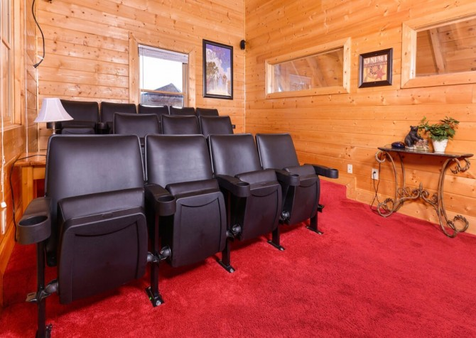 Pigeon Forge - Mountain Time- theater