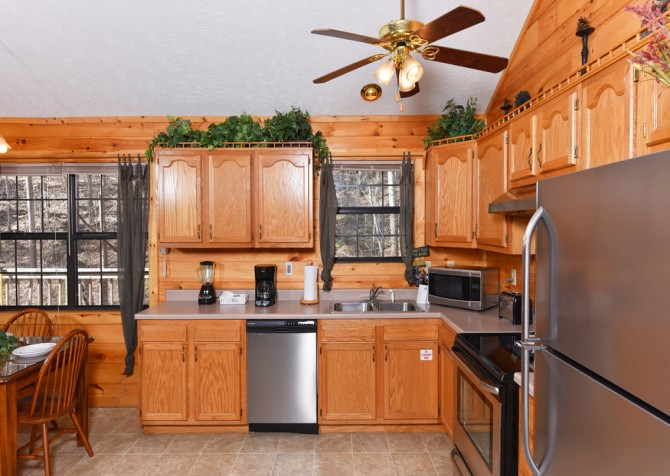 Pigeon Forge - Mountain Blessing - Kitchen