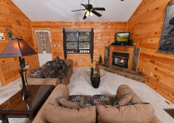 Pigeon Forge - Mountain Blessing - Living Room