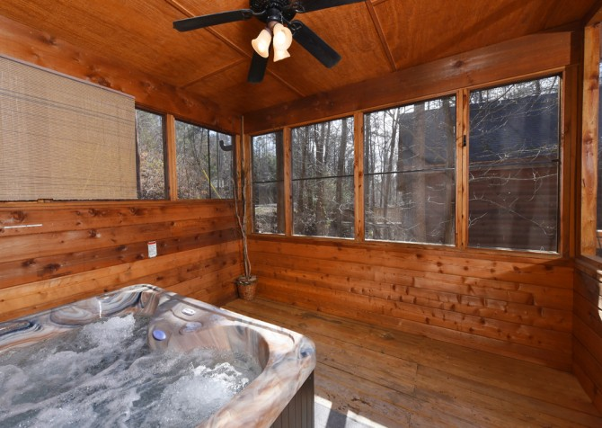 Pigeon Forge - Mountain Blessing - Hot Tub
