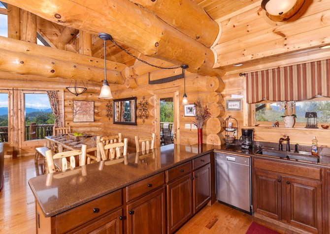 Pigeon Forge Cabin – Paul Bunyan's Treehouse – Kitchen