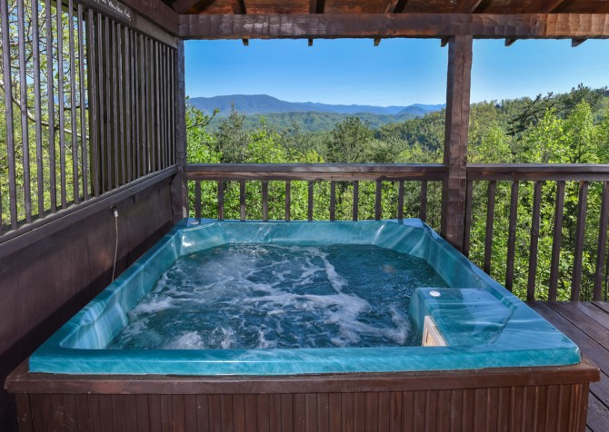 Pigeon Forge - Peak A View - hot tub