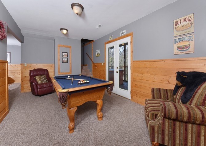 Pigeon Forge Cabin - River Retreat - Rec Room