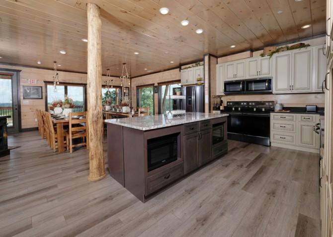 Pigeon Forge Cabin - Scenic Solitude Retreat - Kitchen