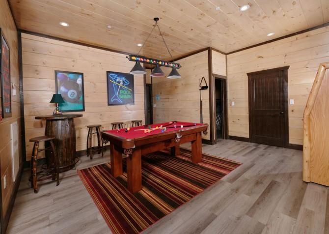 Pigeon Forge Cabin - Scenic Solitude Retreat - Rec Room