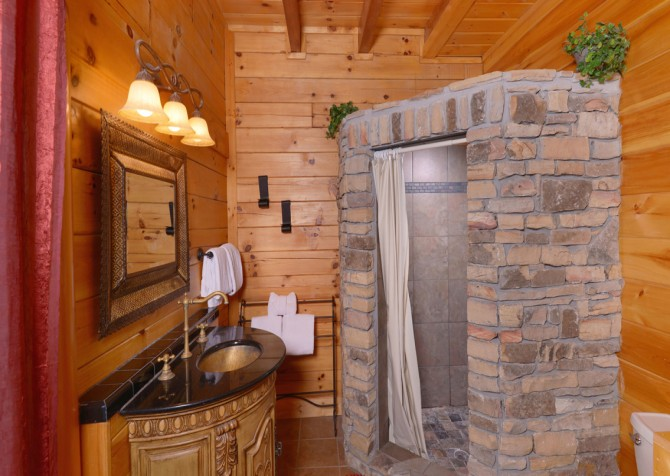 Pigeon Forge Cabin - Smoky Mountain Splash - Bathroom